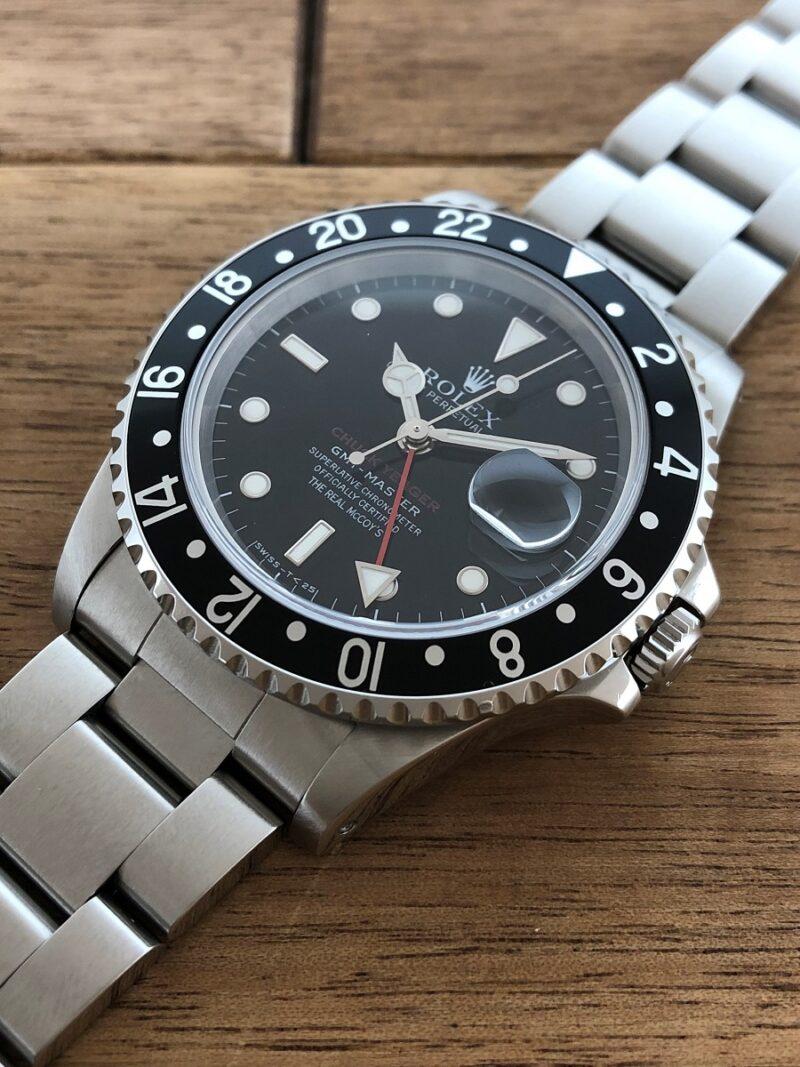 ロレックス GMTマスター 16700 U番 ザ・リアルマッコイズ 限定50本 の5時側から文字盤の画像。