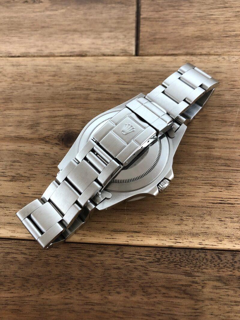 ロレックス GMTマスター 16700 U番 ザ・リアルマッコイズ 限定50本 のバックル側からの画像。